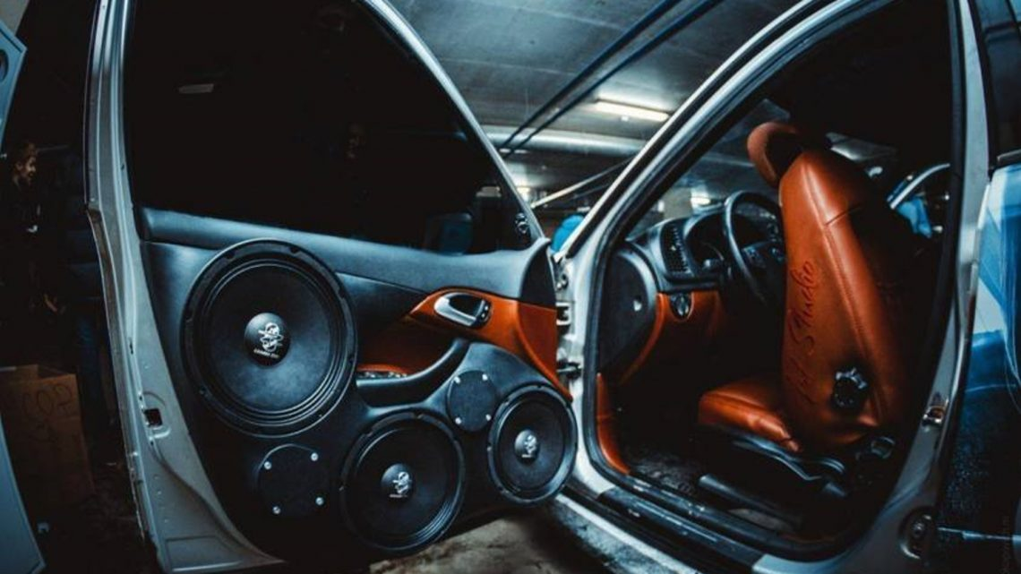 Как установить автомобильную аудиосистему
